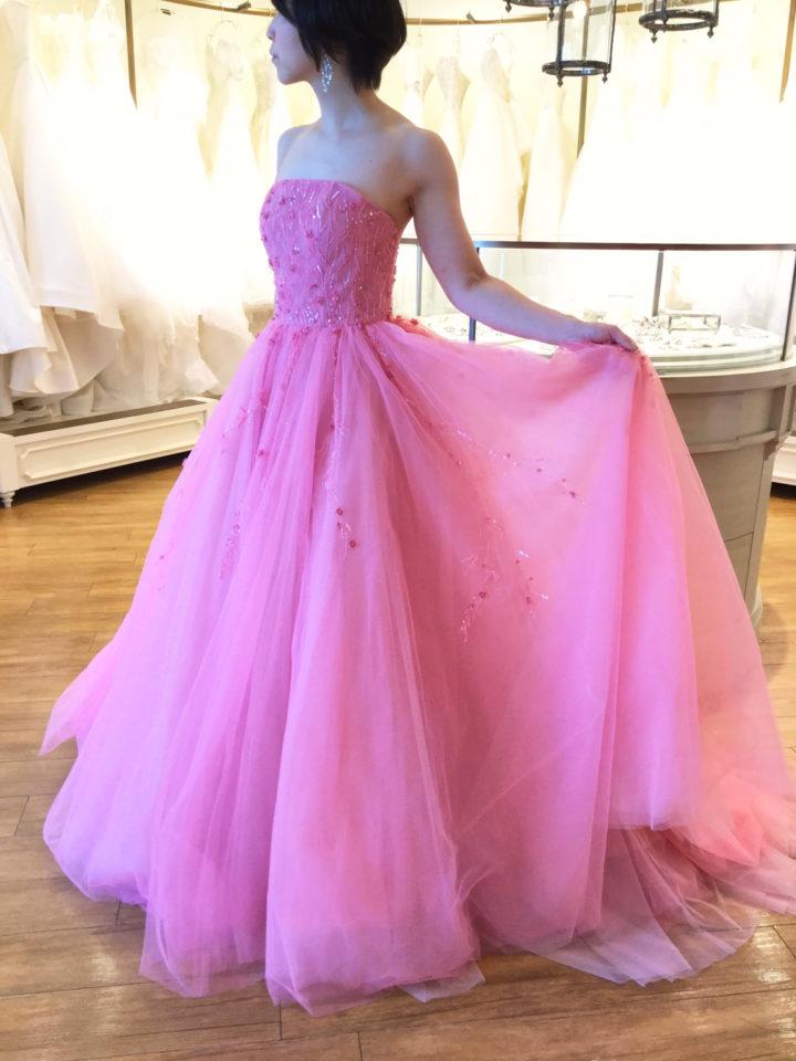 息を呑むような美しく繊細なビーディングのKENNTH POOL(ケネスプール)のカラードレス